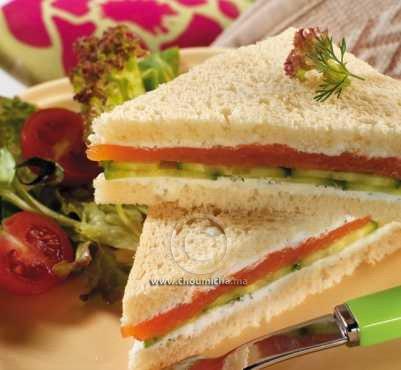 recette club sandwich au saumon fum et au fromage de ch vre. Black Bedroom Furniture Sets. Home Design Ideas