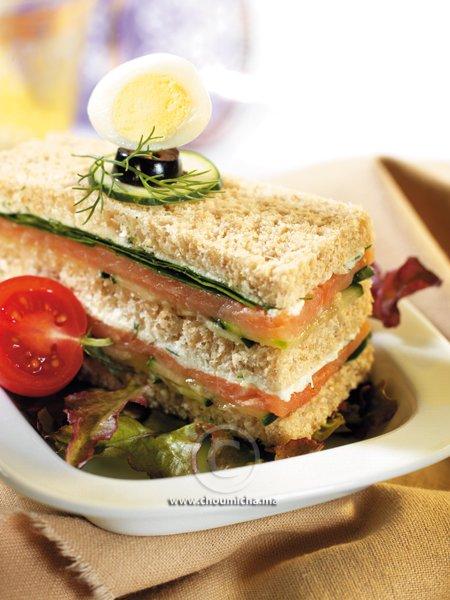 recette club sandwich au saumon fum. Black Bedroom Furniture Sets. Home Design Ideas