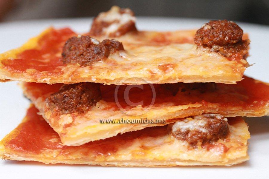 recette tarte la tomate et la saucisse de foie. Black Bedroom Furniture Sets. Home Design Ideas
