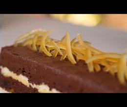 وصفة سهلة وناجحة لتحضير حلوى مثلجة بقشدة الشكلاطة
