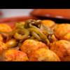 طاجين كويرات الدجاج بصلصة الطماطم والزيتون / طاجين كويرات الدجاج بالبصل والعنب المجفف